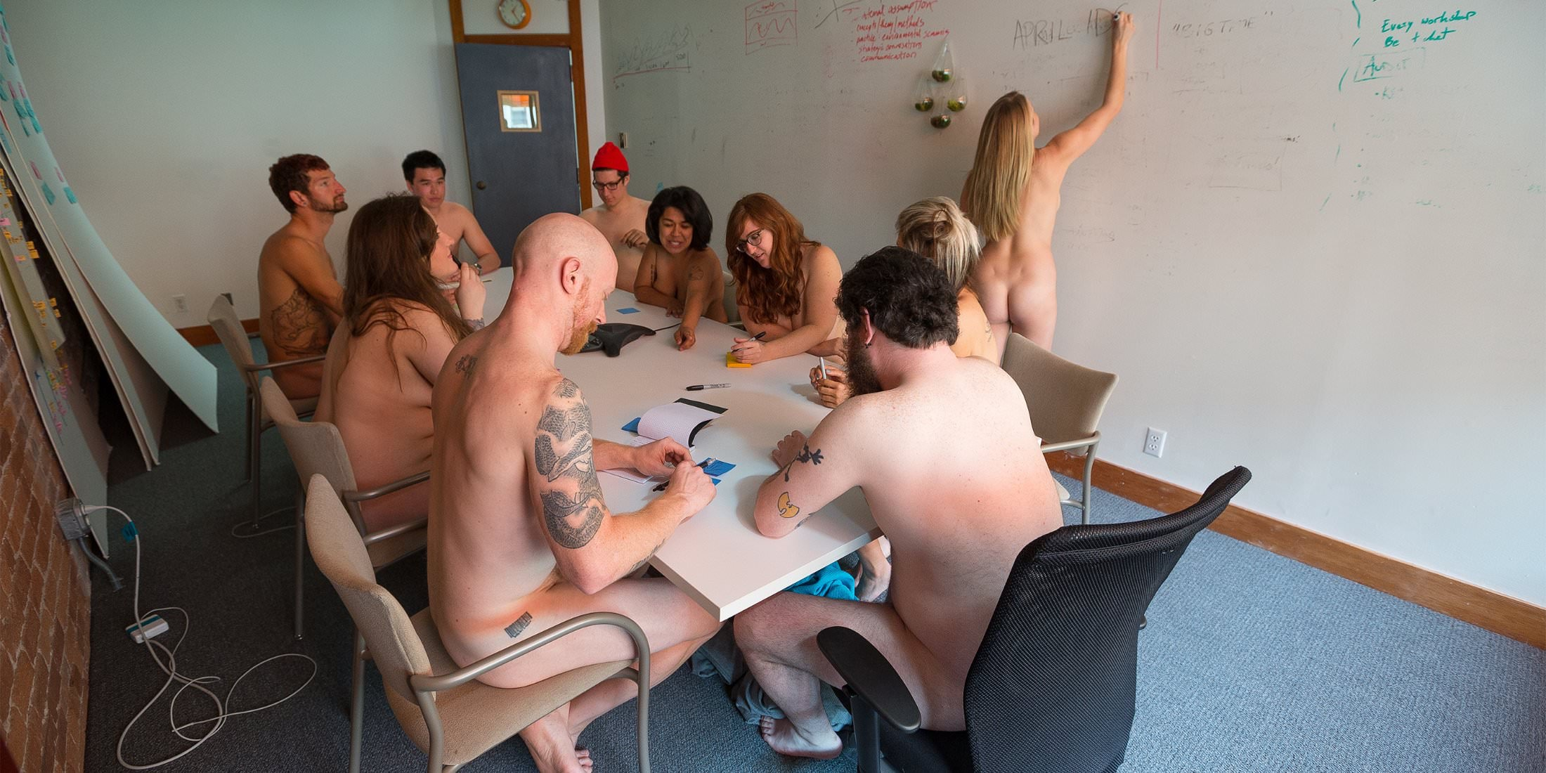 nude-woman-office